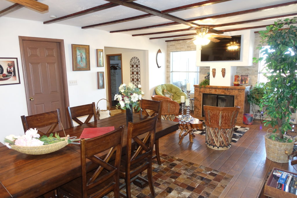 Guest house_DINING - tv ROOM-4